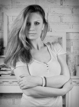 Вероника Санжарова