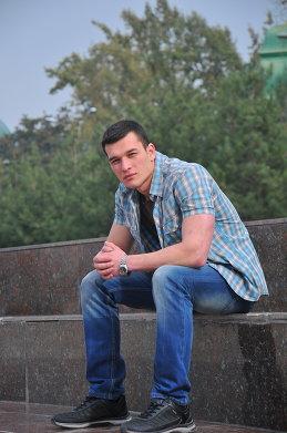 Азиз Хусаинов