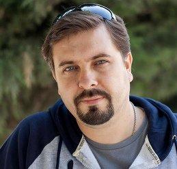 Денис Свечников