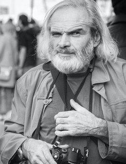 Виктор Антонов