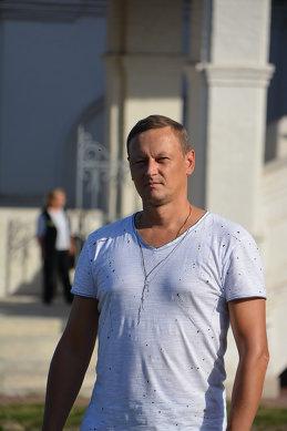 Дмитрий Логвинов