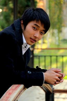 Андрей Хан