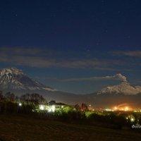 Ночные вулканы над г.Елизово :: Алексей Кваша