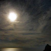 Просторы лунные над спящими волнами :: Людмила Зайцева