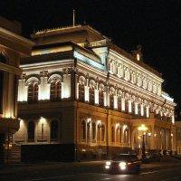 Центр Казани в ночи :: Андрей Головкин