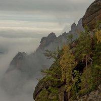 Осень с туманами :: Сергей Герасимов