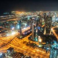 Огни ночного Дубая :: Николай Сигаев