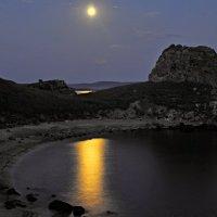 Лунная ночь мыса Зюк.(Крым,море Азовское) :: владимир