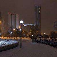 Снежная ночь в Екатеринбурге :: Юлия Уткина