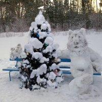Новогодняя скамейка :: Александр Михайлов
