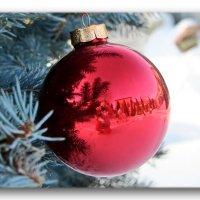 Магия новогоднего шарика... :: Taina Fainberg