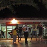 На греческом вечере танцуют все! :: ponsv