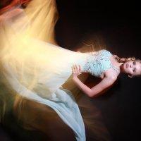 Танец в ночи :: Елена Буравцева