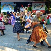 Возраст танцам не помеха! :: Ростислав