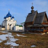 Весна в Суздале :: Игорь Слободчиков