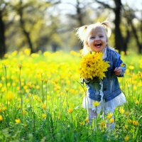Впервые в жизни увидела цветочный луг :: Андрей Ильин