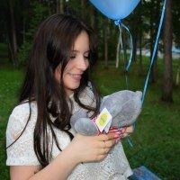 Радость от подарка всегда самая искренняя...) :: Елена Науменко