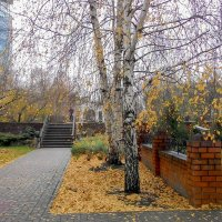 Фрагмент церковного двора :: Елена Ахромеева