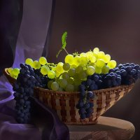 Гроздья винограда :: Ида Слизких