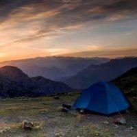 Утро в горах :: Виктор Осипчук