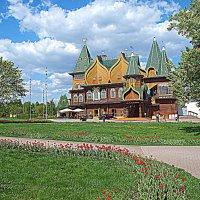 Дворец Алексея Михайловича в парке Коломенском. :: Владимир Драгунский