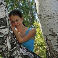 русская красавица у берёзки :: Александр Иванов
