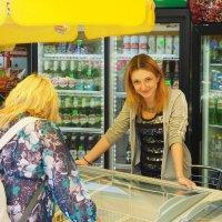 Продавец мороженного :: Павел Савин