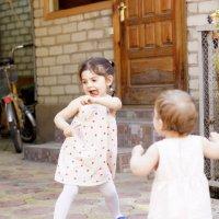 Танцульки на солнышке :: Наталия Сарана