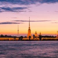 Белая ночь в Питере. :: Григорий Евдокимов