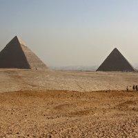 Пейзаж с пирамидами :: Анна