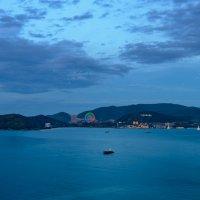 На побережье опускается ночь :: Олег Пученков