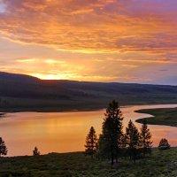 выткался над озером алый свет зари :: nataly-teplyakov