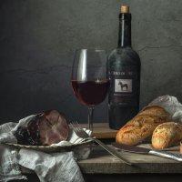 Окорок и вино :: Алексей Кошелев