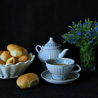 Чай с пирожками. :: Сергей