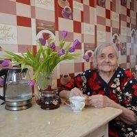 Весна,март...Тюльпаны для родной мамы... :: Андрей Хлопонин