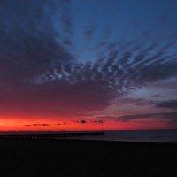 Sunset, pier, lake :: Helga Fluey