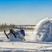 Вихрь на снегоходе.. :: Владимир Чуприков