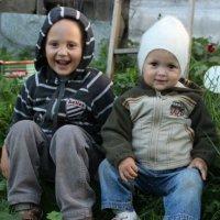 Братик и сестрёнка :: Андрей Скорняков