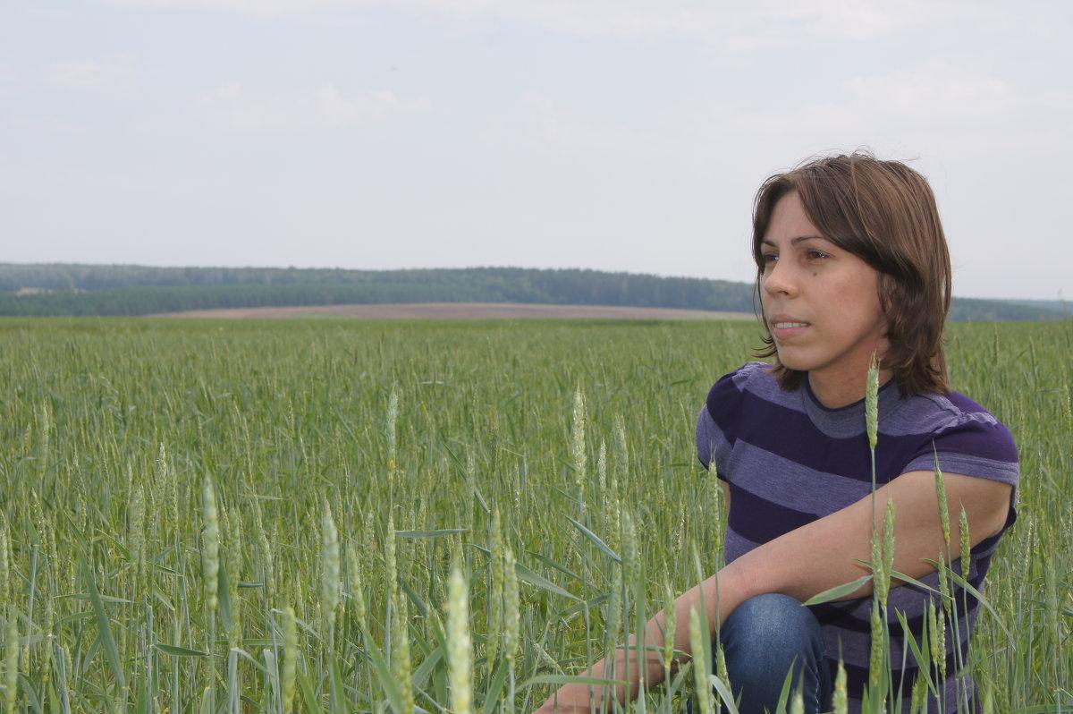 дева в поле - Элла Илларионова