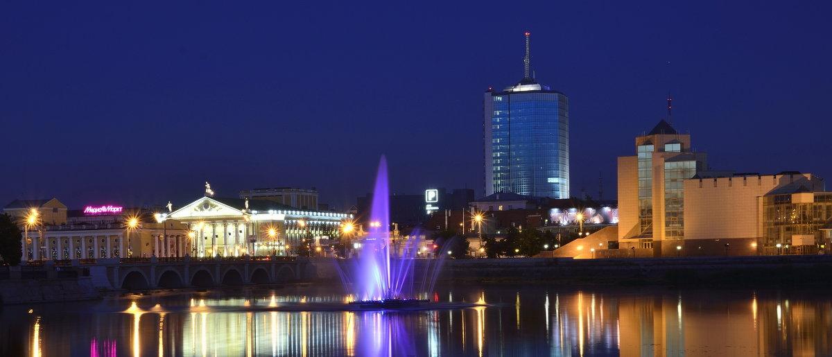 http://s2.fotokto.ru/photo/full/159/1598670.jpg