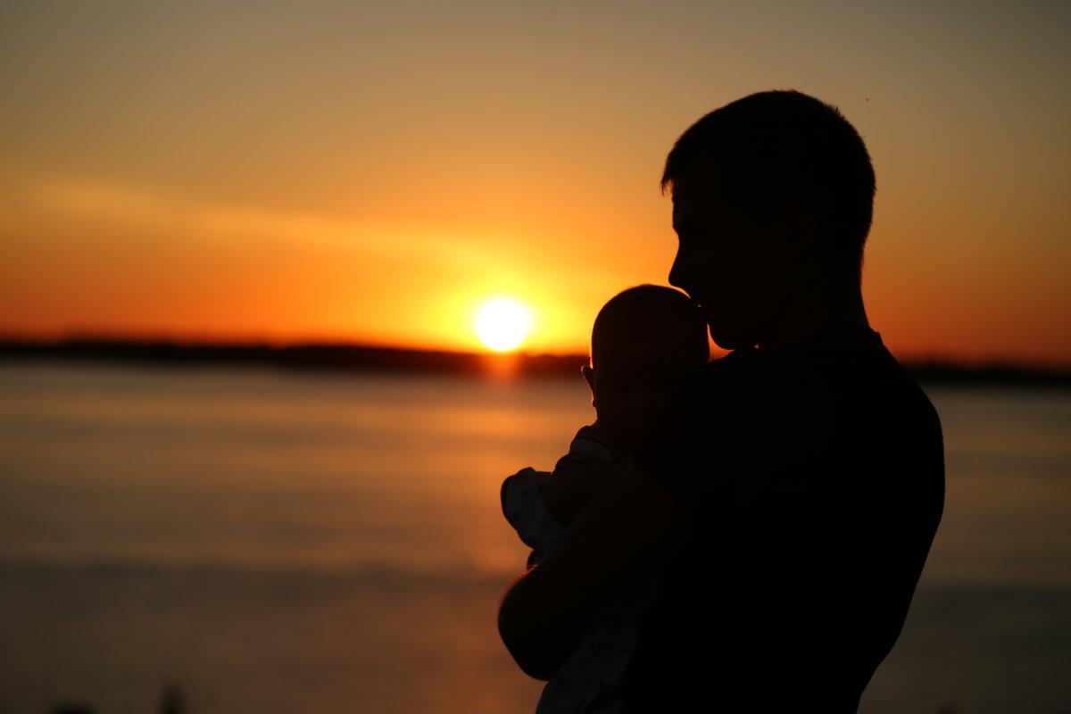 Отцовство - Ясения Вальковская
