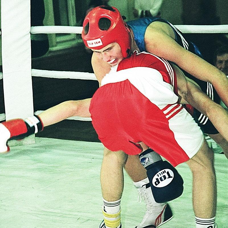 Это же бокс, а не борьба - Лев Мельников