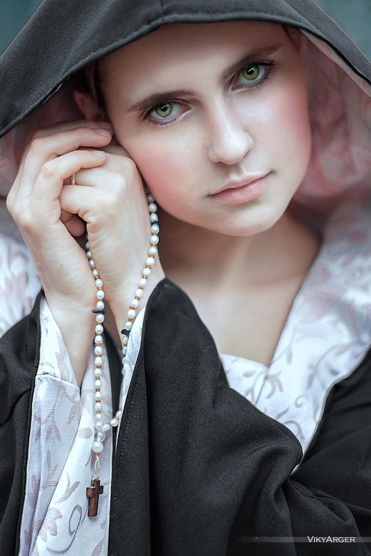 Holy Desire - Victoria Luneva