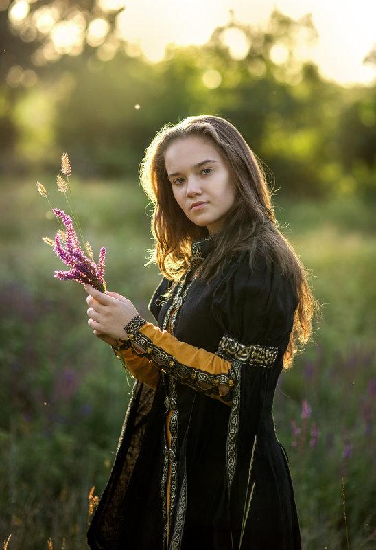 Солнце осветило мой букет из трав - Татьяна Курамшина