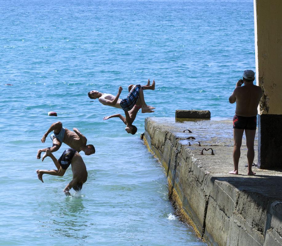Прыжки в море - Oleg Khot