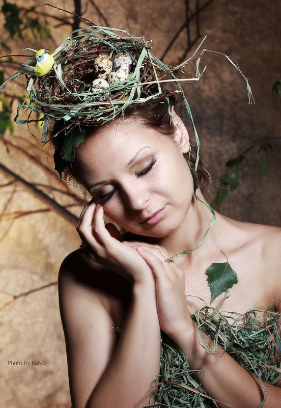 девушка с гнездом - Екатерина Бармина