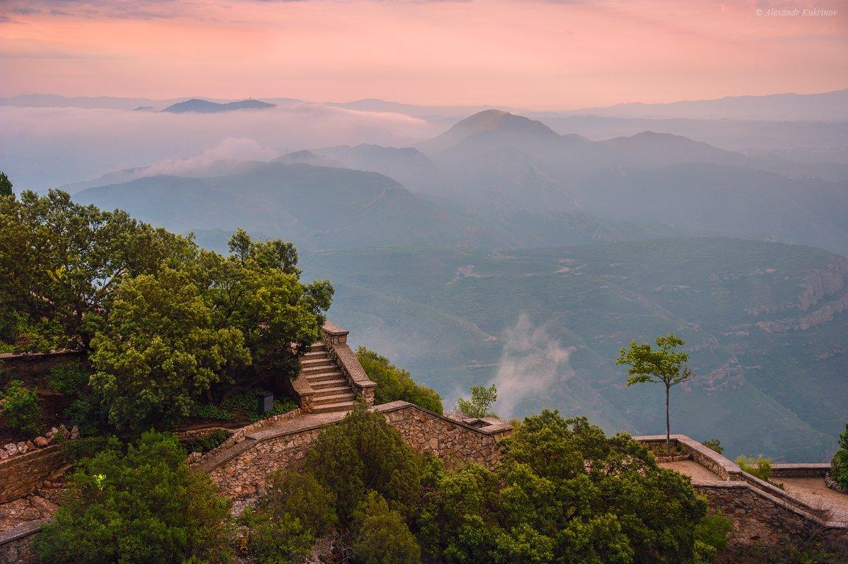 Рассвет в Montserrat... - Александр Кукринов