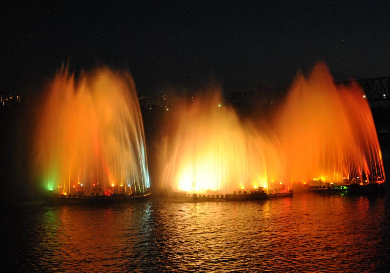 Плавучий фонтан - Маргарита Кретова