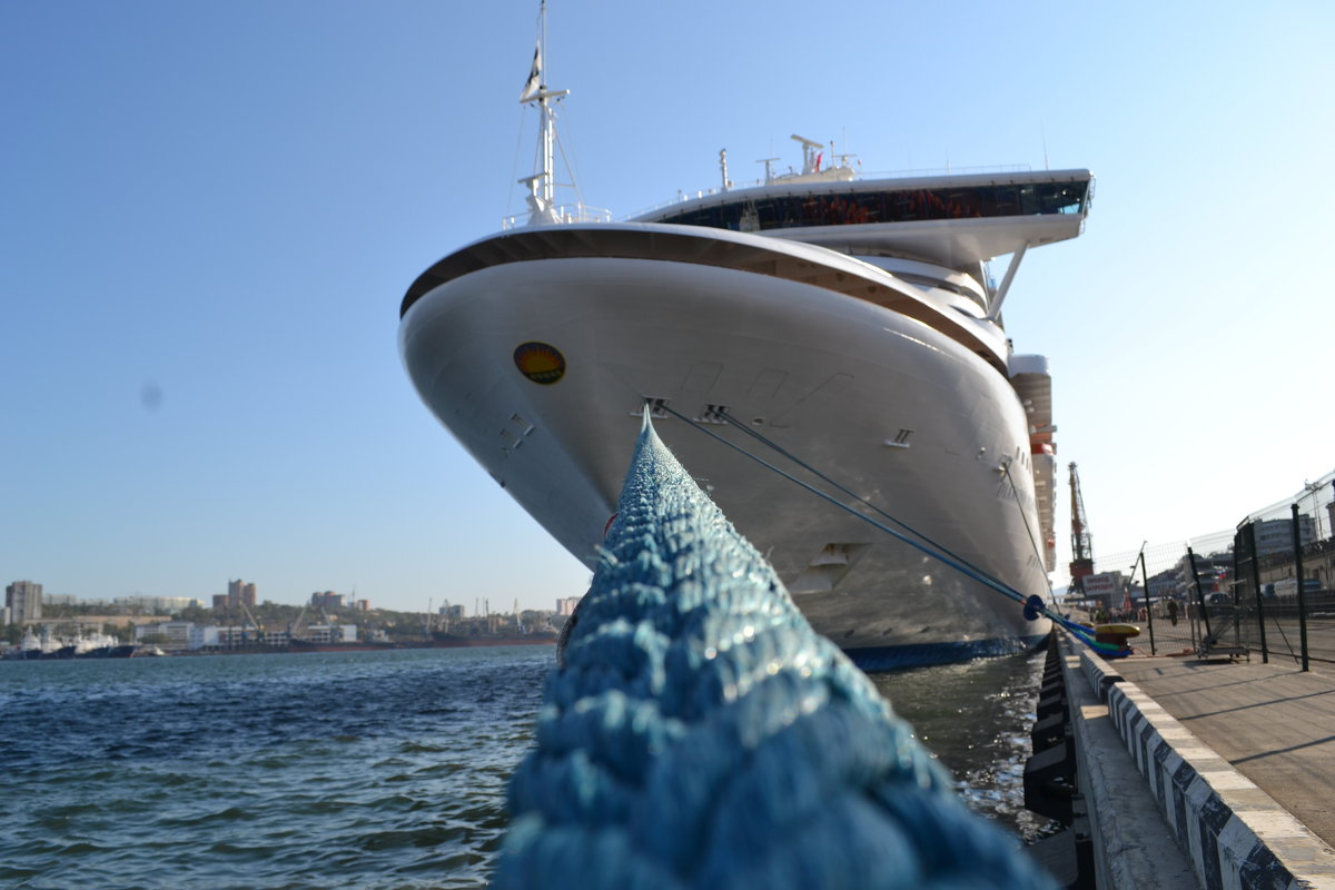 В нашу гавань заходили корабли... - Сергей Саблин