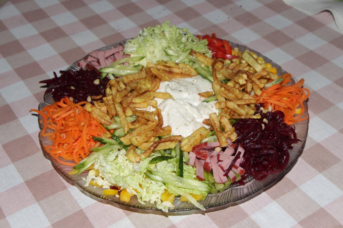 Салат огород с овощами